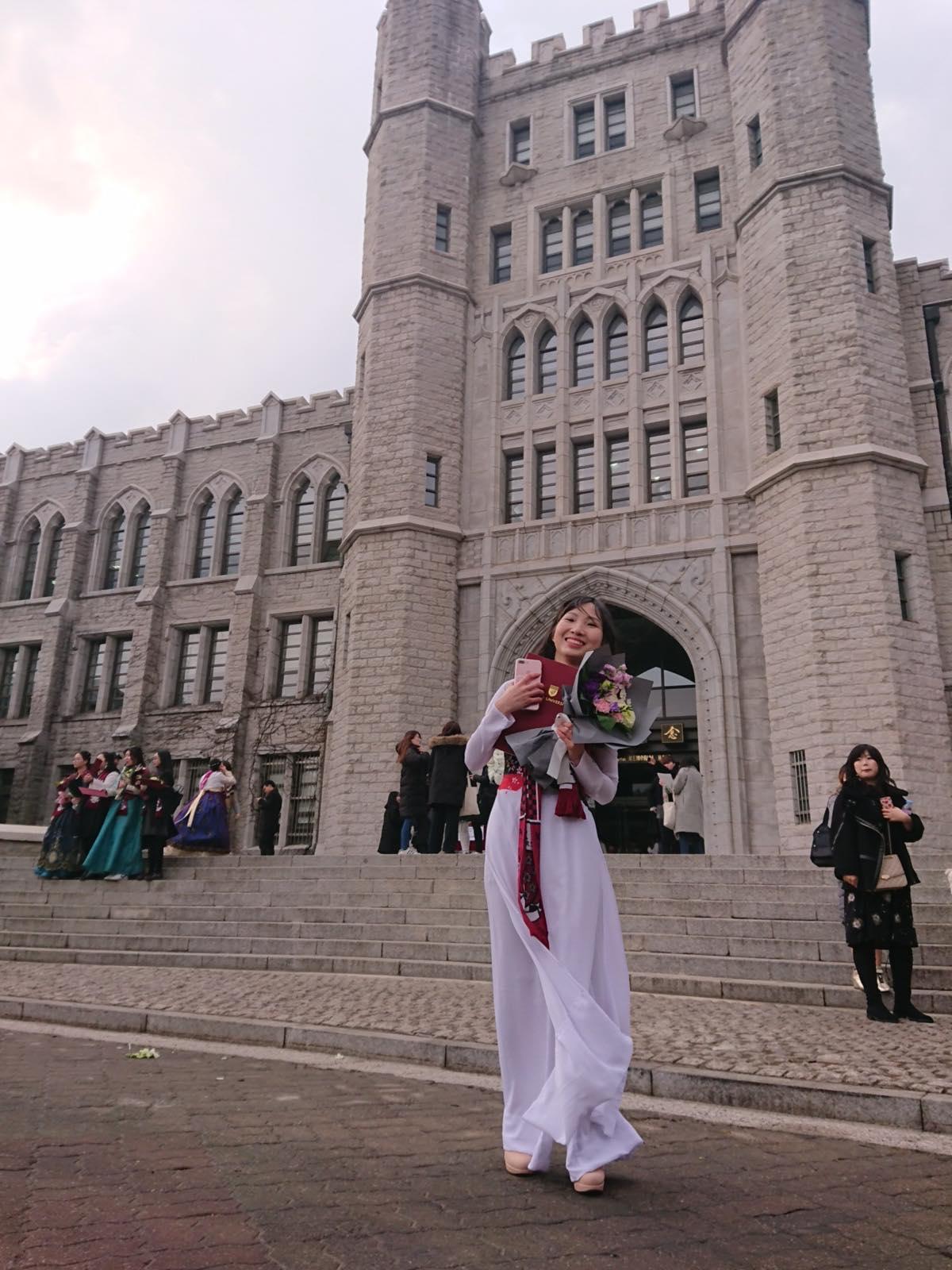 Home Thông Tin Chung NSU ICC Chúc mừng em Hoàng Hiền, học sinh cũ tại NSU đã tốt nghiệp chương trình tiếng Hàn của trường Đại Học Korea
